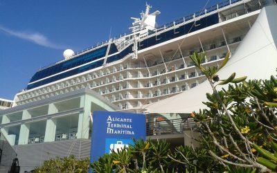 Equinox de Celebrity un barco de cruceros donde el lujo es sencillez.